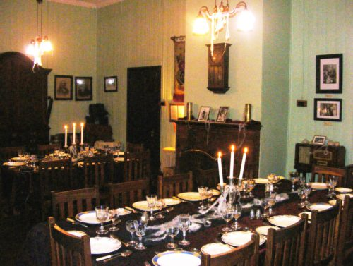 0 Dinner Settings inside Smuts House